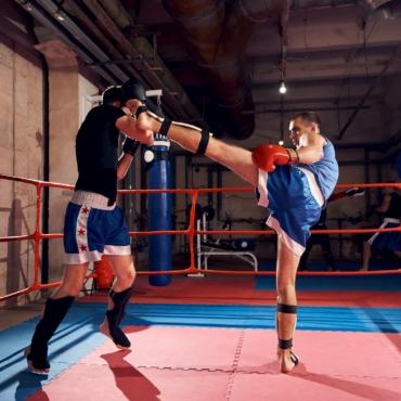 boxers-training-kickboxing-ring-health-club-m